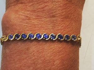 14k gold and tanzanite bracelet close up