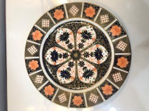 set of 10 antique old imari dinner plates front